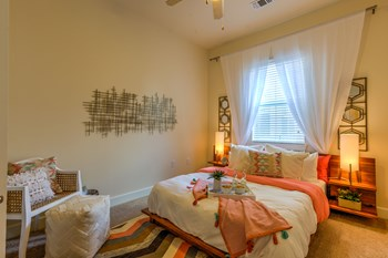 6313 S. Congress Ave. 1-4 Beds Apartment for Rent Photo Gallery 1