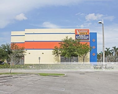 Storage Units for Rent available at 6113 NW 36th Street, Virginia Gardens, FL 33166 Photo Gallery 1