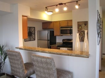 21428 Pacific Highway South Studio-2 Beds Apartment for Rent Photo Gallery 1