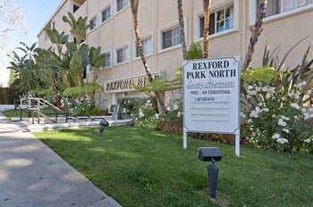 272 S. Rexford Dr. 1-2 Beds Apartment for Rent Photo Gallery 1